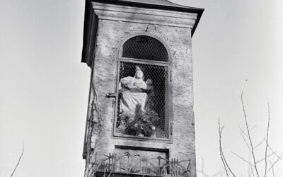 Detail of the lost statue of the Virgin Mary